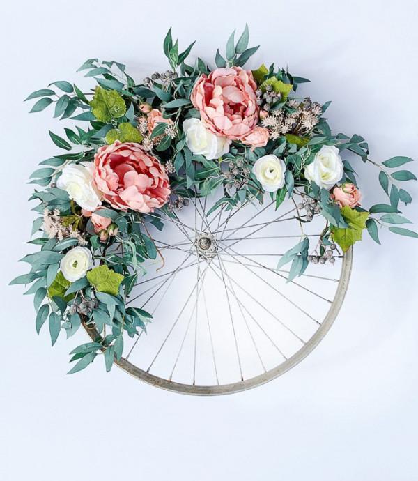 Beautiful DIY Wreath Garden Decorations